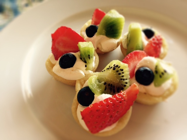 Mini Fruit Pizzas 2
