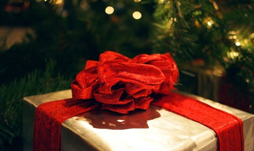 Unwrapping The Gift of God's Word At Christmastime
