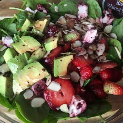 Refreshing Strawberry Spinach Salad