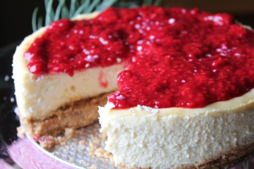 {Fancy} Cheesecake with Raspberry Sauce