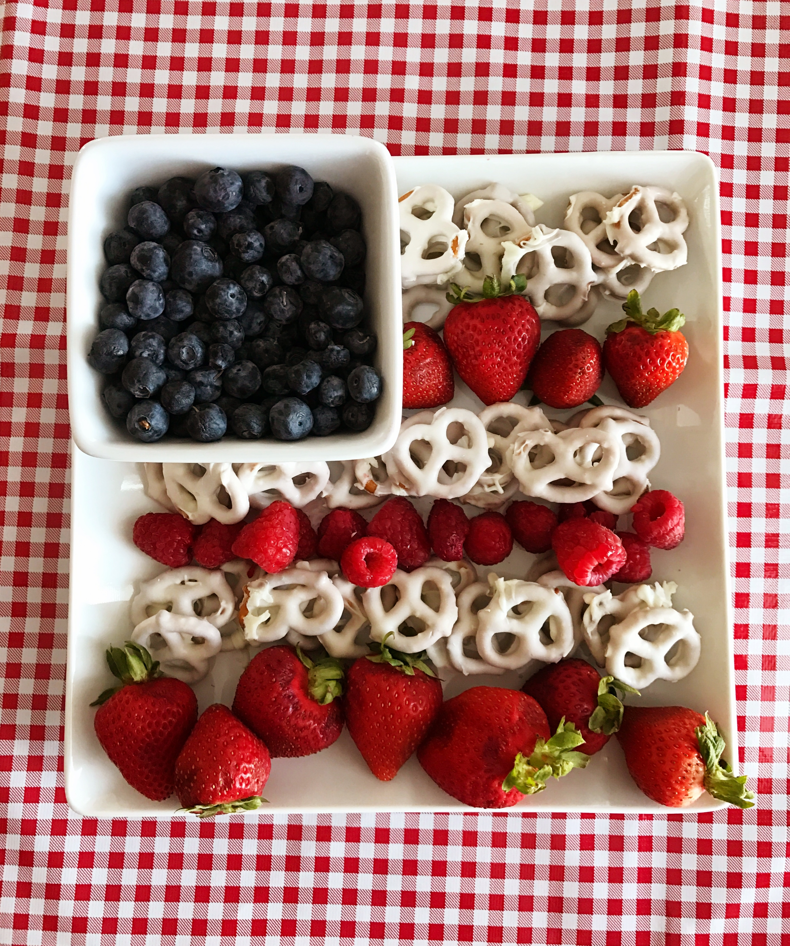 Easy American Flag Dessert Platter The Gingham Apron